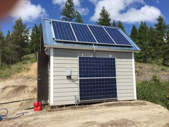 Off the grid solar power shed
