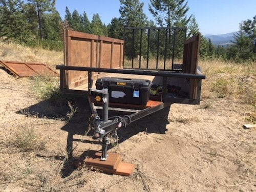 Off the grid utility trailer